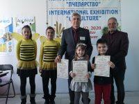 """Награди за децата от група """"Мечо Пух"""" на ДГ """"Снежанка"""" в детски конкурс за рисунка"""