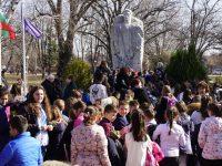 В град Левски се преклониха пред подвига и саможертвата на Апостола на свободата /снимки/