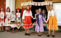 """Ученици на ОУ """"Валери Петров"""" – Плевен представиха по атрактивен начин историята на матрьошката"""