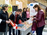 """В МУ – Плевен и утре продължава изложбата-базар """"Мартеницата – заедно да съхраним традицията"""""""