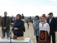 Корнелия Нинова на Тодоровден: Поздравявам ви, че почитате традициите! Честит празник на всички именици!