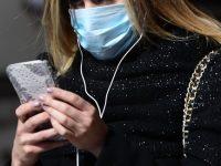 """Здравният министър се обяви """"За"""" носенето на маски на открито"""