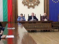 Мерки за неразпространение на коронавируса обсъди кметът Спартански с представители на търговски вериги