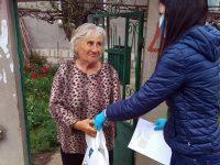 Жители на Червен бряг получиха пакети с храни от кампанията на Пламен Тачев