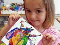 """4-годишна художничка от Артшкола """"Колорит"""" с престижна награда от конкурс в Сърбия"""
