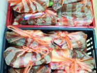 """Ученици и учители от НУИ """"Панайот Пипков"""" – Плевен дариха хранителни пакети за нуждаещи се"""