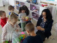 Кметът на община Левски зарадва малчуганите и екипите на детските заведения с подаръци