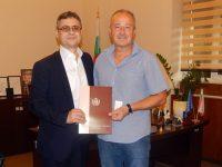 """МУ-Плевен подписа договор за сътрудничество със СУ """"Иван Вазов"""""""