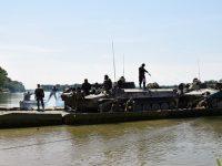 Военни от Плевен и Белене проведоха съвместни занятия на брега на река Дунав