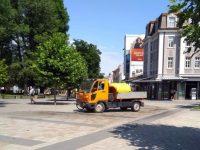 Районът около ремонта в централната градска част на Плевен се оросява всекидневно