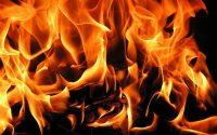 Два пожара в къщи гасиха огнеборците