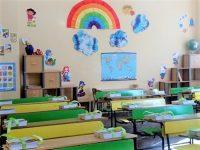 """ОУ """"Д-р Петър Берон"""" – Плевен посреща учениците си с обновени класни стаи и възстановен училищен стол"""
