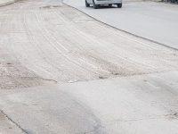 С изкърпване на настилки по плевенски улици и в някои села продължават текущите ремонти