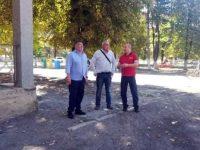 Кметът Цветан Костадинов и депутатът Пламен Тачев на работни срещи в населените места в община Червен бряг