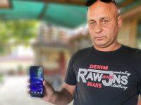 Служител на сметосъбираща фирма в Долна Митрополия намери и предаде мобилен телефон