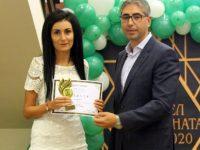 """19 педагози от община Кнежа получиха приз """"Учител на годината"""""""