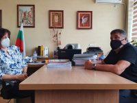 Пламен Тачев ще осигури таблети за онлайн обучение на учителите в ПГ по туризъм в Плевен