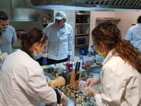 Ученици от ПГ по туризъм – Плевен изненадаха с нетрадиционни кулинарни шотове