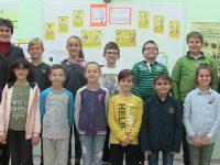 """Четвъртокласници от ОУ """"Йордан Йовков"""" – Плевен с поздрав за Деня на народните будители /видео/"""