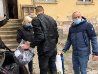 """Осигурени са дрехи и обувки за децата от НУ """"Отец Паисий"""" в село Върбица, кампанията спира"""