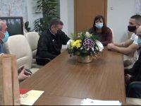 Пламен Тачев и кметът на Червен бряг поздравиха световния шампион Карлос Насар и треньора му Илиян Илиев