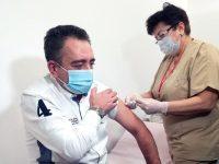 Председателят на Общинския съвет Мартин Митев е първият ваксиниран в Плевен срещу Covid-19