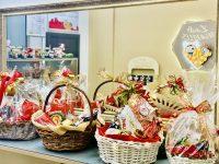 Коледни кошници, бъбъл гофрети, белгийски шоколад и още много изкушения в L&B Waffles в Плевен!