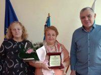 """Директорът на ДГ """"Звънче"""" – Плевен удостоена с приз """"Директор на годината – 2020"""""""