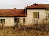В нов дом ще заживее семейството от Българене, чиято къща изгоря при пожар