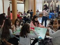 Деца от Плевен изработиха мартеници в Историческия музей