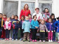 БабаМарта зарадва малки и големив село Асеновци