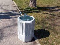 Нови кошчета за отпадъци поставиха в Червен бряг