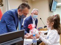 С детски поздрав за Великден започна заседанието на Общински съвет – Плевен