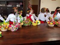 """Деца лазаруваха в двора на полицейското управление на улица """"Тетевен"""" в Плевен"""