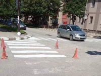 Започна обновяване на пешеходните пътеки в Червен бряг