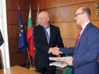 Договорът за доставката на 14 нови електрически автобуса за Плевен вече е факт