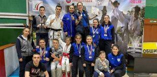 """С 51 медала се завърнаха състезателите на """"Спартак 14"""" от национален турнир по шотокан карате-до"""