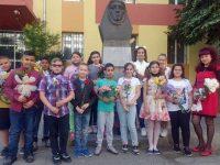 """Четвъртокласници отбелязаха патронния празник на СУ """"Анастасия Димитрова"""" – Плевен"""