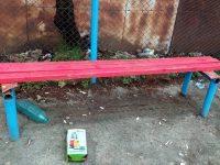 Вандали рушат Градския парк на Червен бряг, от Общината с апел към тях