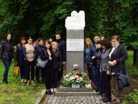 Минути мълчание, цветя, почит към Христо Ботев и загиналите за Свободата на България в Левски