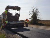 Напредва ремонтът на над 9 км от пътя Гулянци – Долна Митрополия