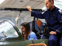 Ученици гостуваха на Военновъздушната учебна база в Долна Митрополия