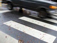 86-годишен шофьор блъсна жена на пешеходна пътека