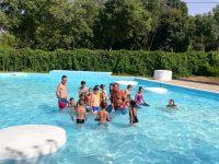 Децата от село Асеновци се включиха в курс по плуване