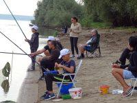 """Състезанието """"Риболовците могат без дрога"""" се проведе на брега на Дунав при Загражден"""