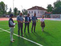 """Днес официално бяха открити ремонтираните спортни площадки на открито в двора на СУ """"Христо Ботев"""" в град Долни Дъбник"""