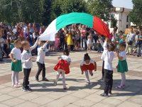 Гулянци отпразнува 47 години като град