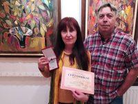"""Плевенската художничка Майя Ананиева е носител на наградата и плакет на Националната изложба """"Есенен салон 2021"""" в Севлиево"""