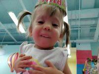 Да помогнем на Мони! Семейство набира средства за операцията на дъщеря си