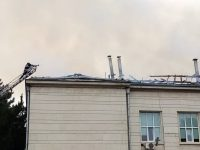 Унищожени са около 800 кв. метра от покрива на Медицинския университет при пожара днес